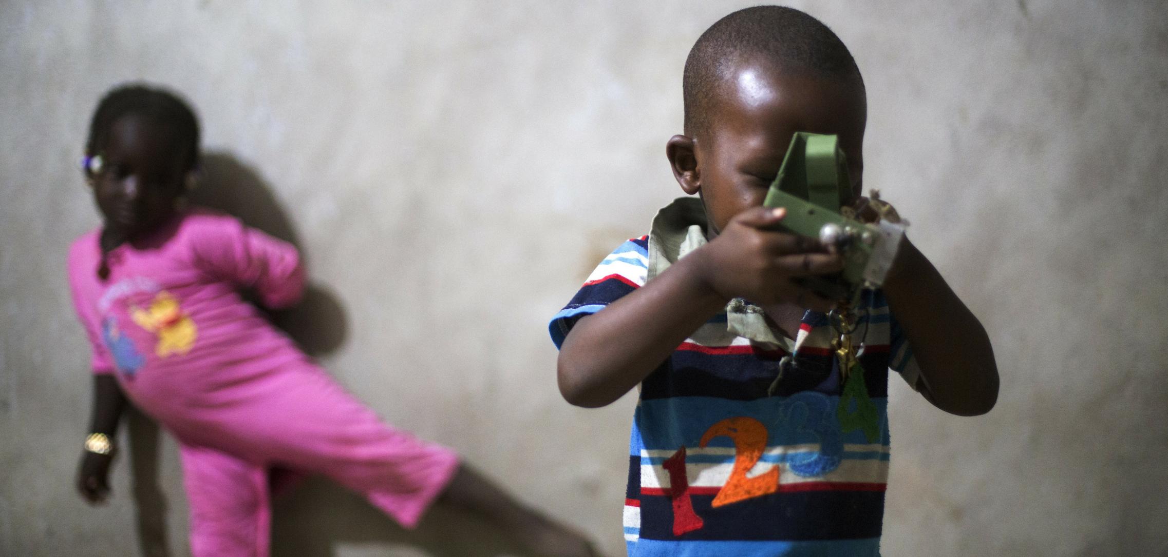scatti liberi_africa_regala una foto_cortile dei gentili